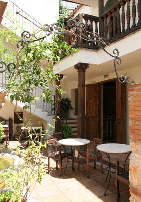 Patio, Hotel Posada del Ángel