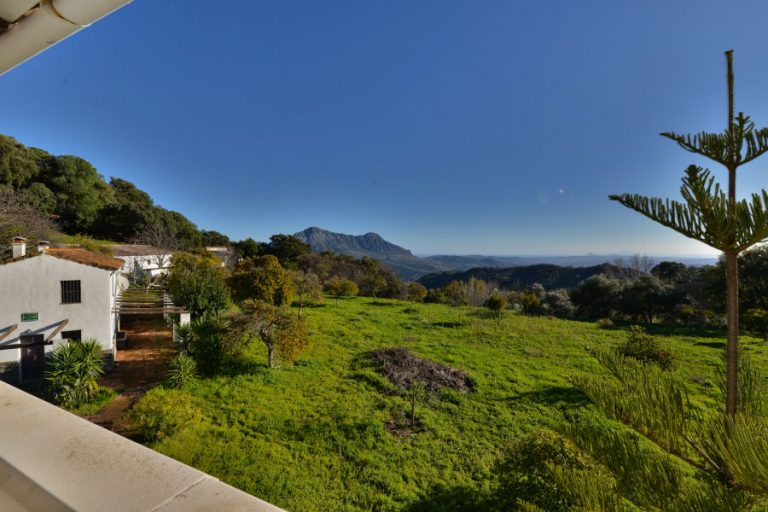Country property in Gaucin