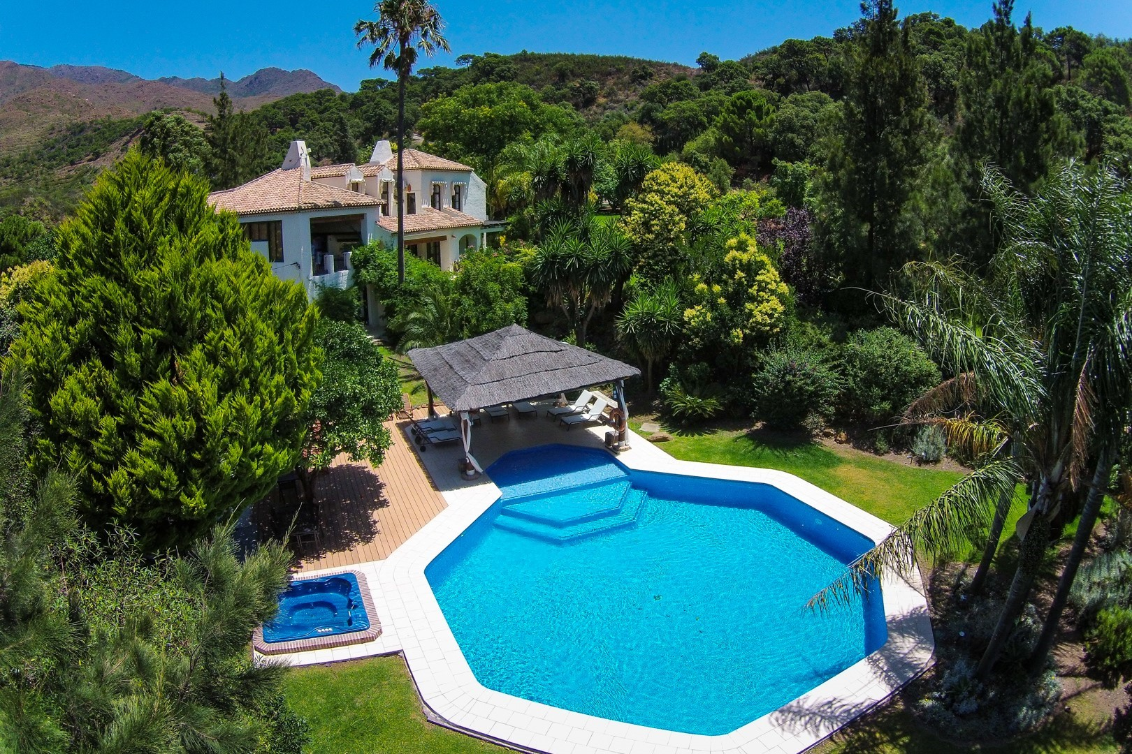 investment opportunity country villa casares
